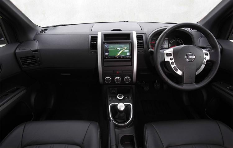 Внутри Nissan X-Trail