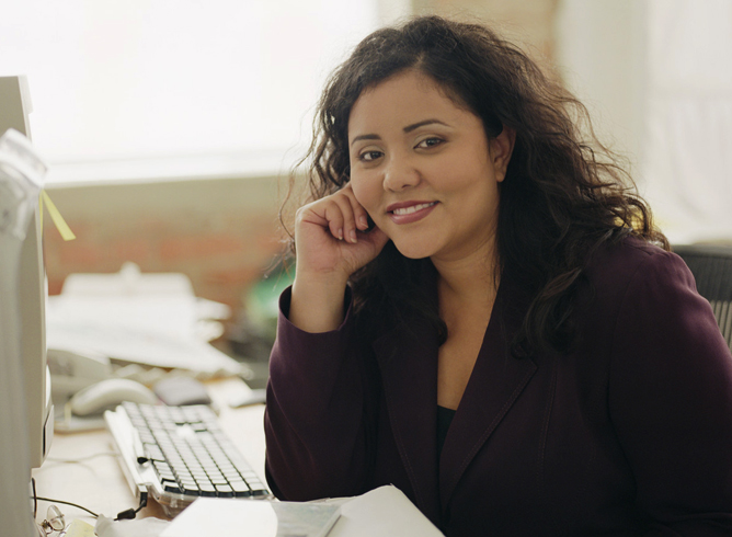 Женщина секретарь