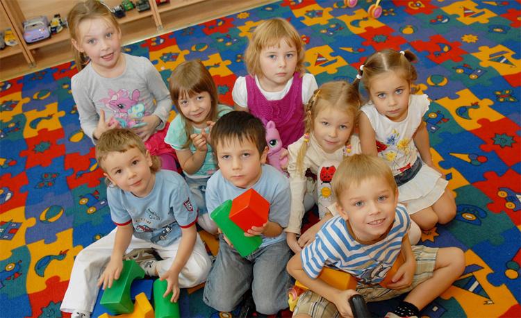 Веселы дети в детском саду