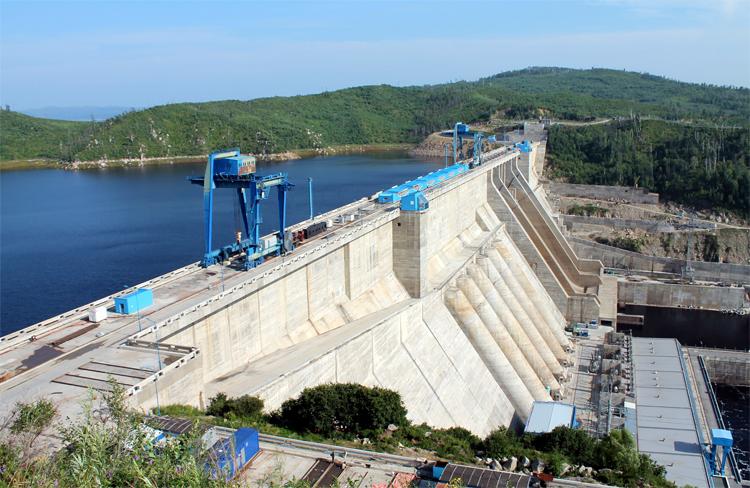 Мощная ГЭС