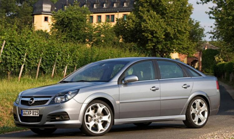 Opel Vectra у дома