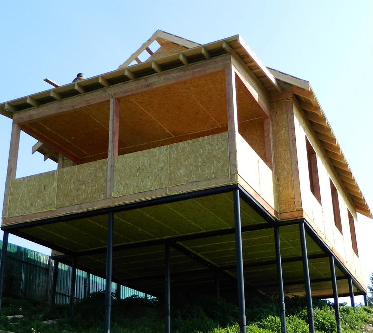 Свайный дом