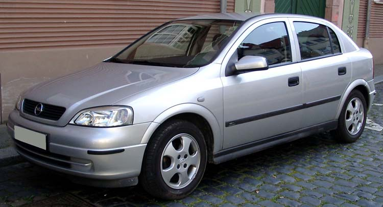 Opel Astra II поколения