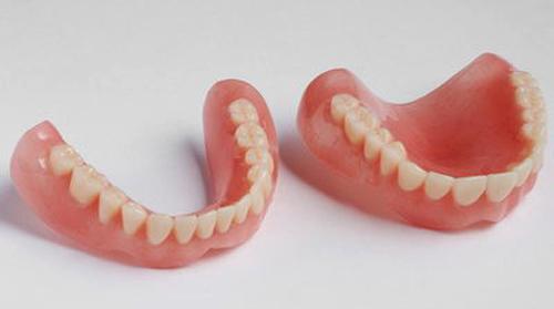 Зубной аппарат из полиуретана