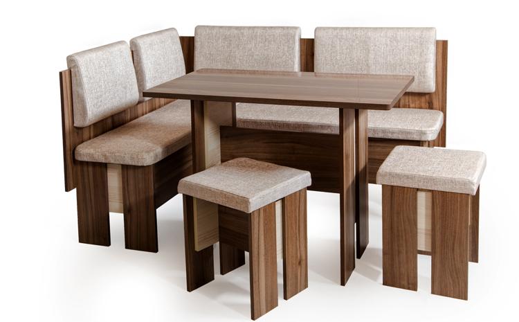 Стол и стулья из сосны