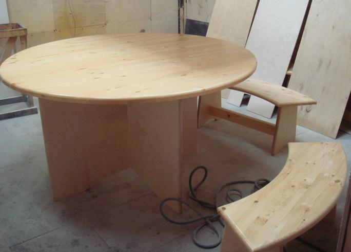 Стол из сосны