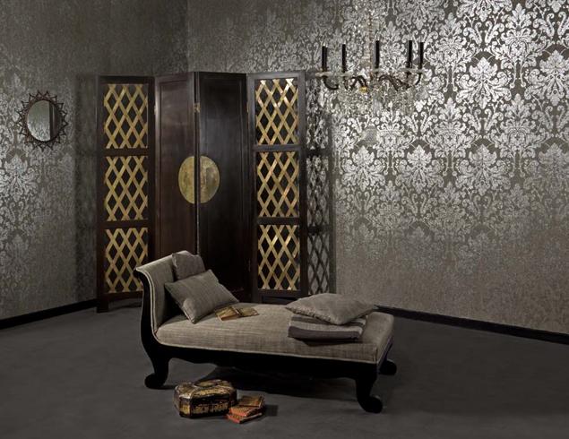 Комната с текстильными обоями