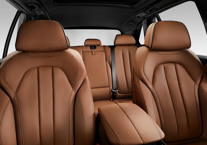 Внутри BMW X5