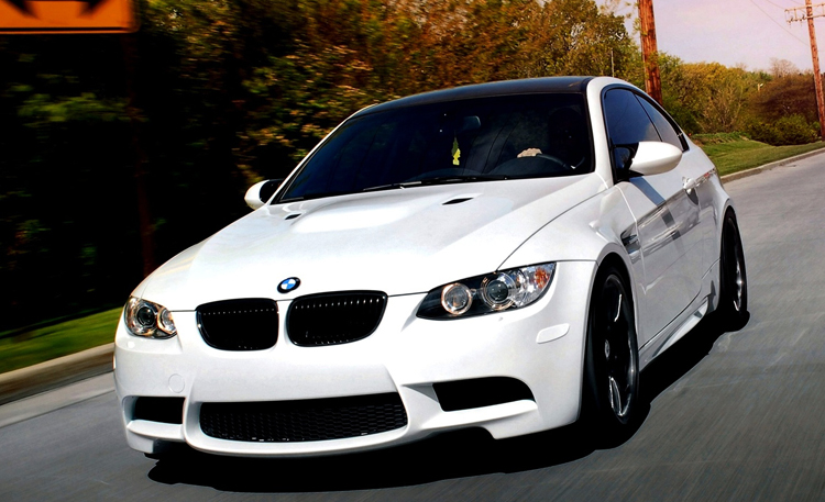 Белый BMW