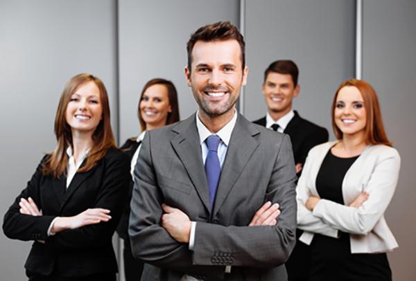 Менеджер с персоналом