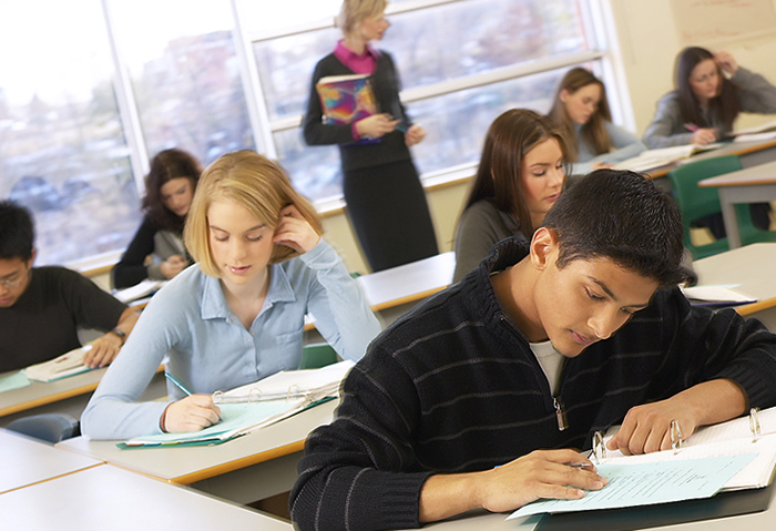 Ученики проходят тест