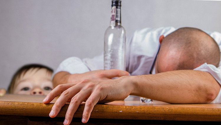Ребенок и алкоголик