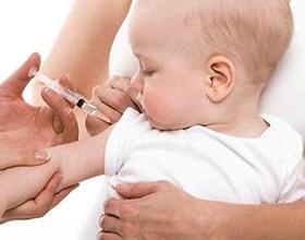 Стоит ли делать прививку АКДС ребенку?