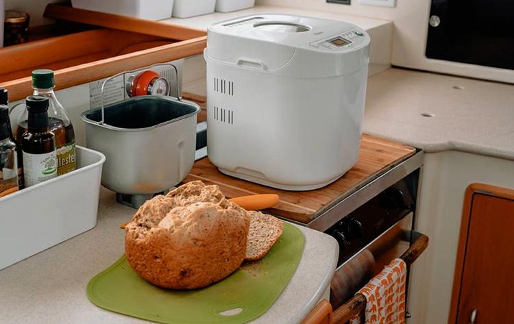 Свежий хлеб из хлебопечки