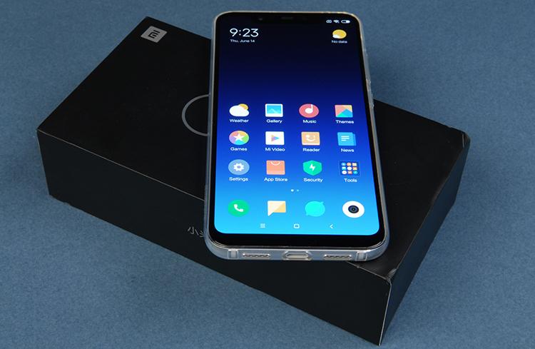 Новый смартфон Xiaomi Mi 8