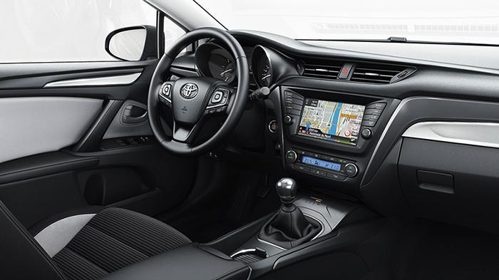 Салон Avensis
