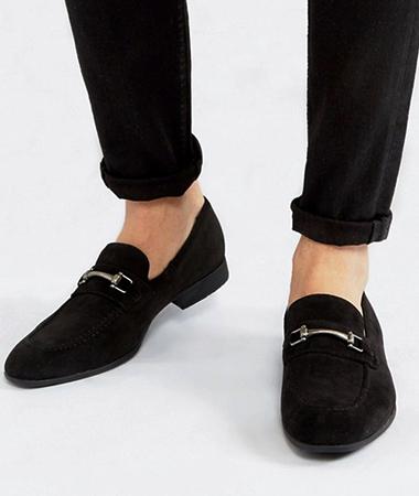 Черная обувь из искусственной замши