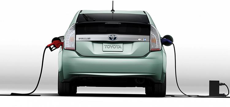 Гибридная Toyota
