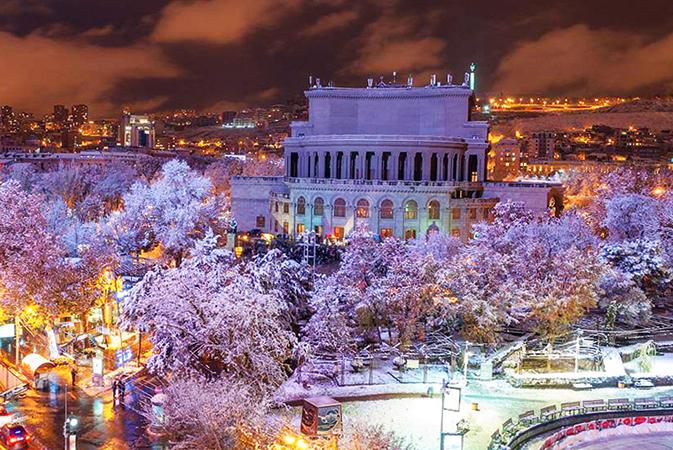 Красивый зимний Ереван