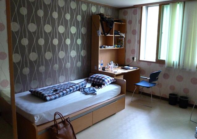 Комната в общежитии с красивым ремонтом