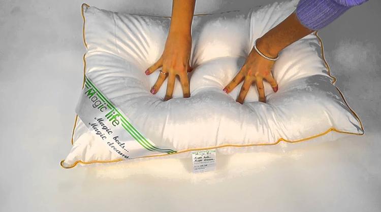 Руки на подушке из микрофибры