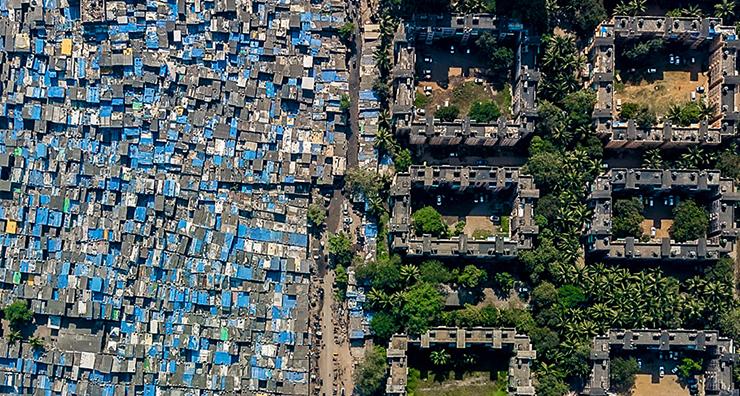 Трущобы и элитные дома