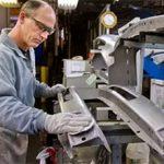 Стоит ли работать на заводе — плюсы и минусы