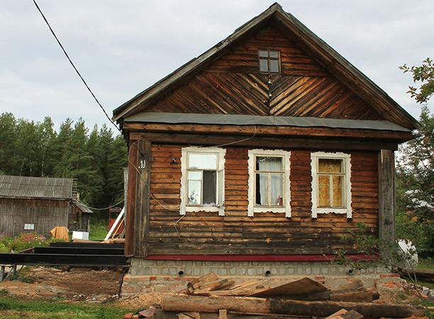 Старый дом из дерева