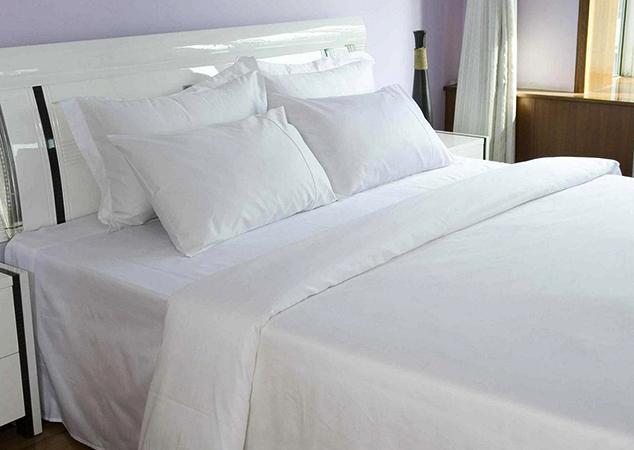 Белое постельное белье из сатина