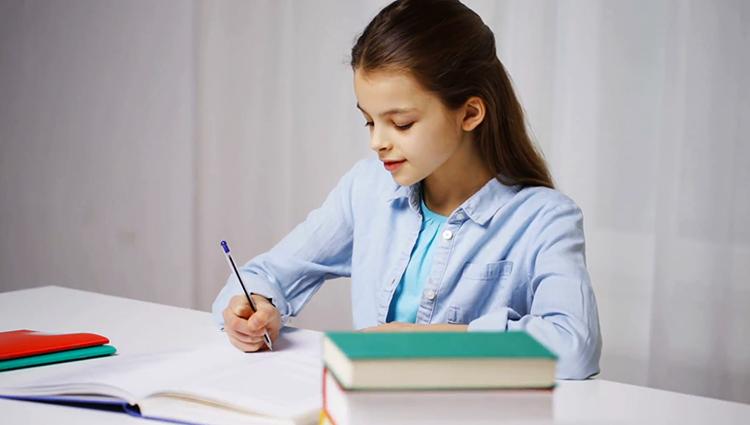 Девочка на домашнем обучении