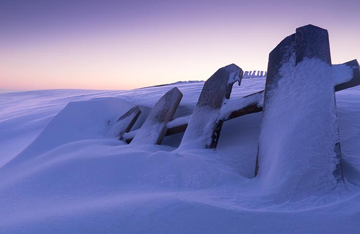 Сугробы зимой