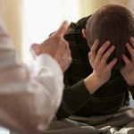 Стоит ли наказывать ребенка за плохие оценки