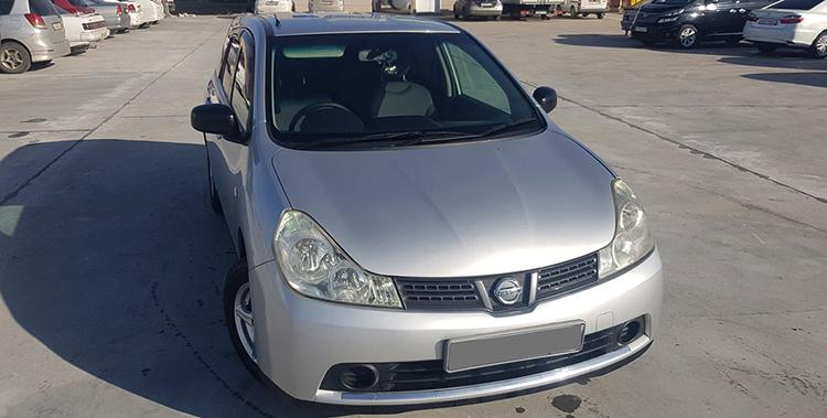 Вид Nissan Wingroad спереди