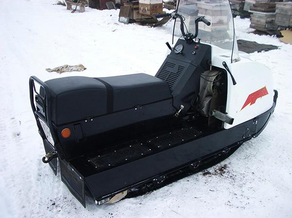 Рабочий снегоход Буран