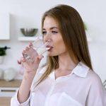 Теплая вода натощак — плюсы и минусы для организма