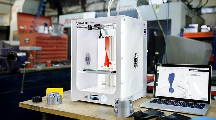 3D-принтер в работе