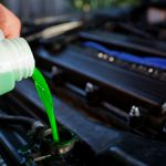 Стоит ли менять антифриз в автомобиле
