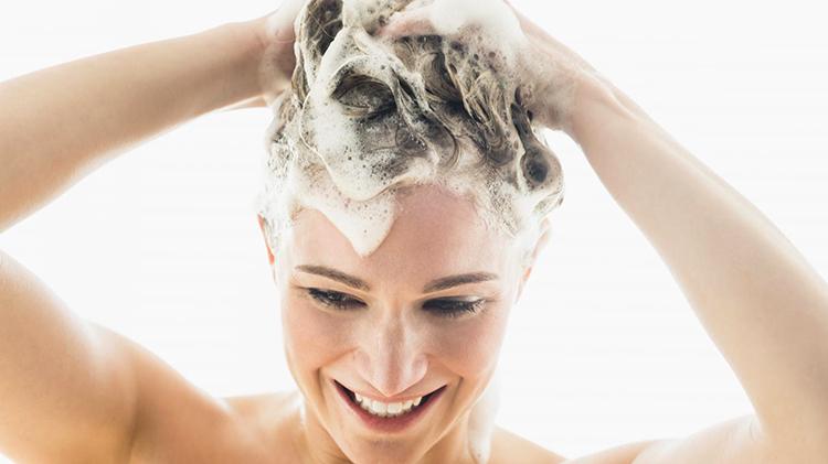 Использование безсульфатного шампуня
