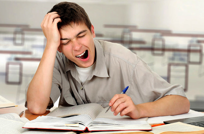 Уставший студент