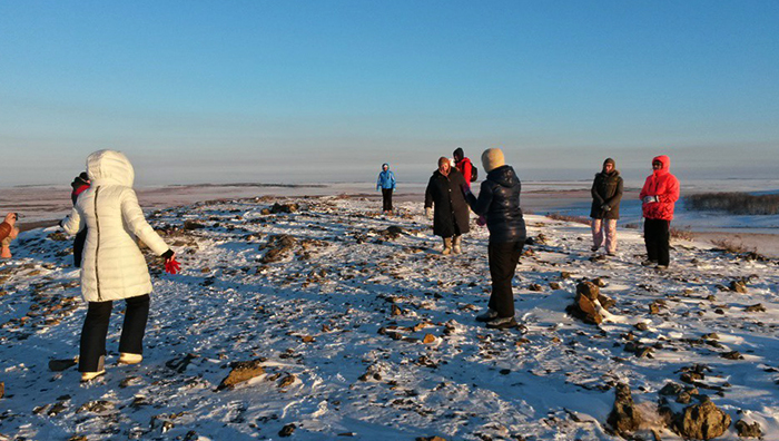 Туристы на Аркаиме зимой