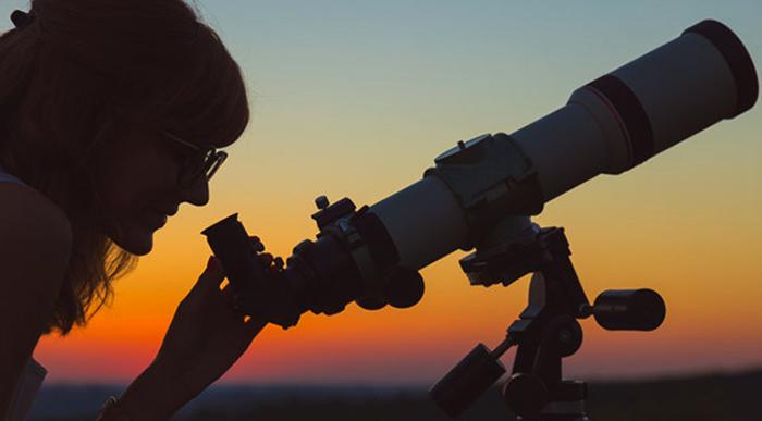 Девушка-астроном