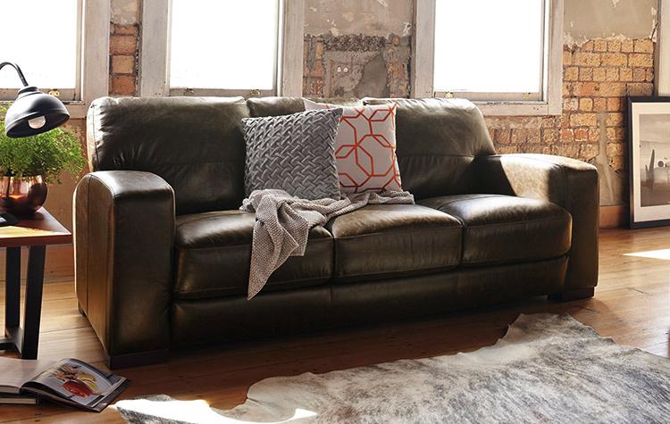 Новый диван из кожи