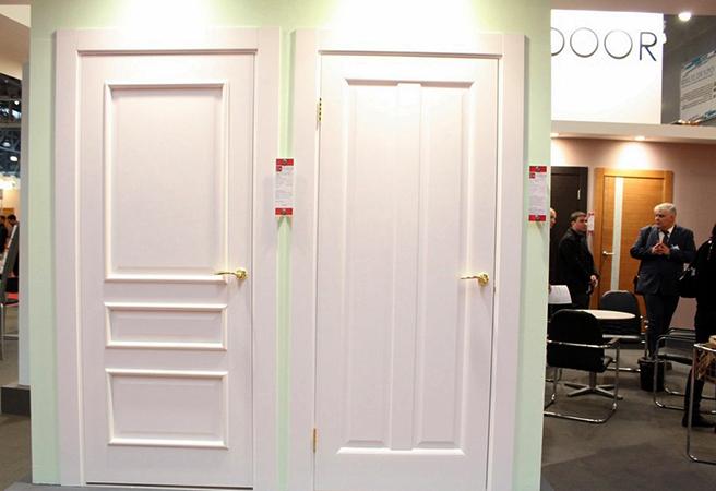 Двери в магазине