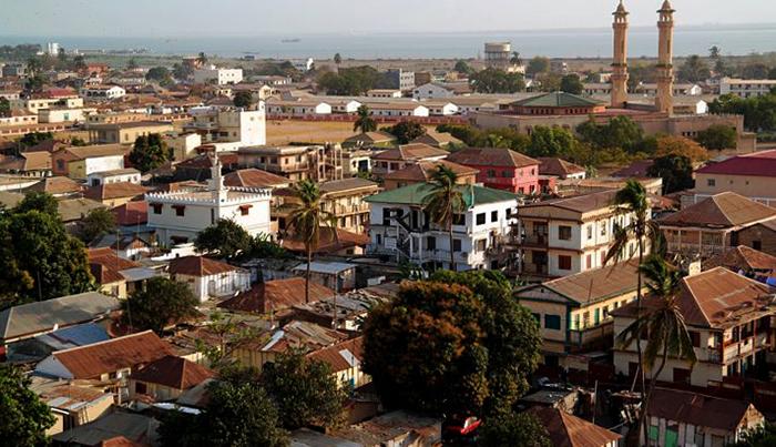 Город в Гамбии