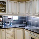 Плюсы и минусы кухни с угловой мойкой