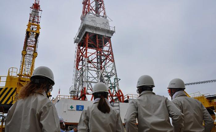 Студенты специальности «Нефтегазовое дело»