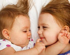 Дети погодки: плюсы и минусы для семьи