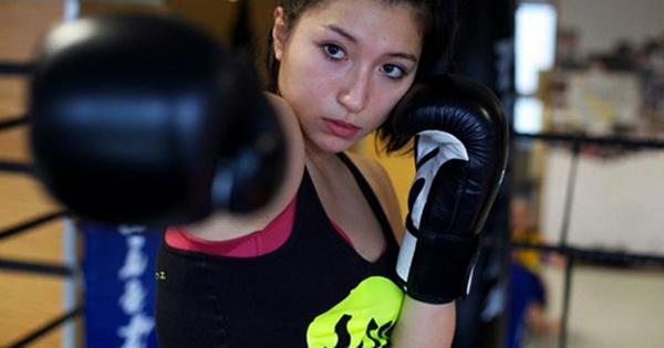Девушка тайский боксер