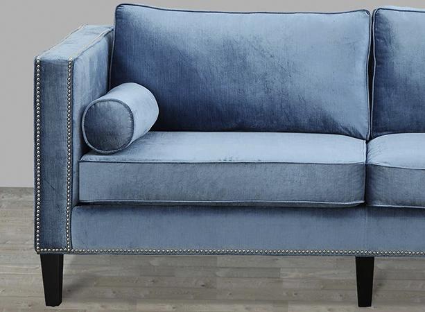 Современный диван из велюра