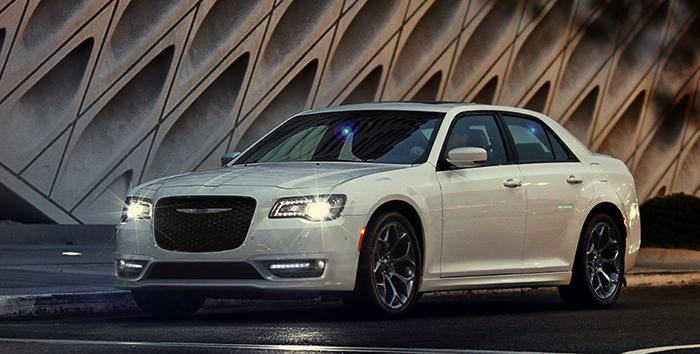 Белый Chrysler 300